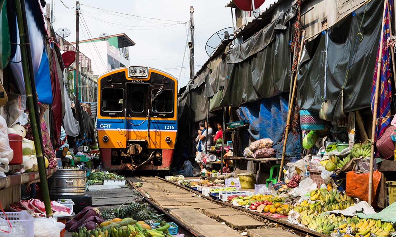 TrainMarket05